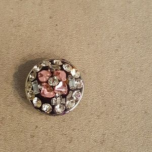Jewelry - Pink and Clear Rhinestone Petal Heart Snap
